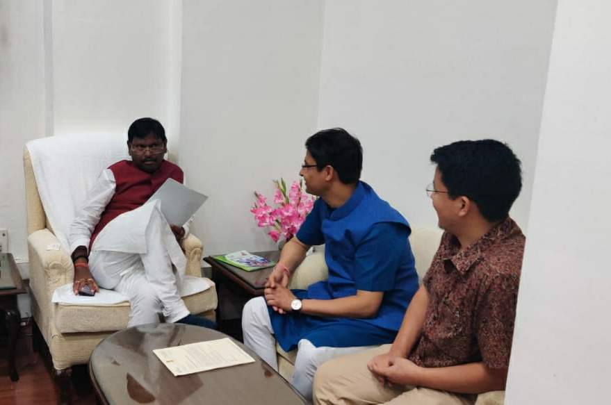Sikkim and Darjeeling MPs meet Tribal Affairs Minister